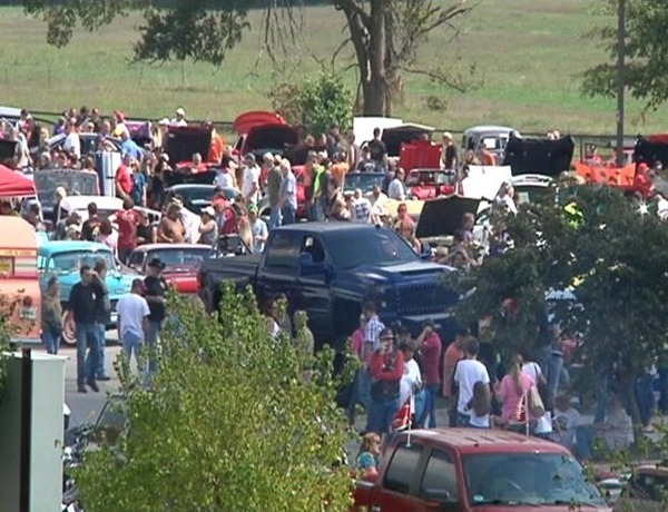 2014 Bikes Blues and Barbecue Rally Expands to Springdale_-4347102905191152559