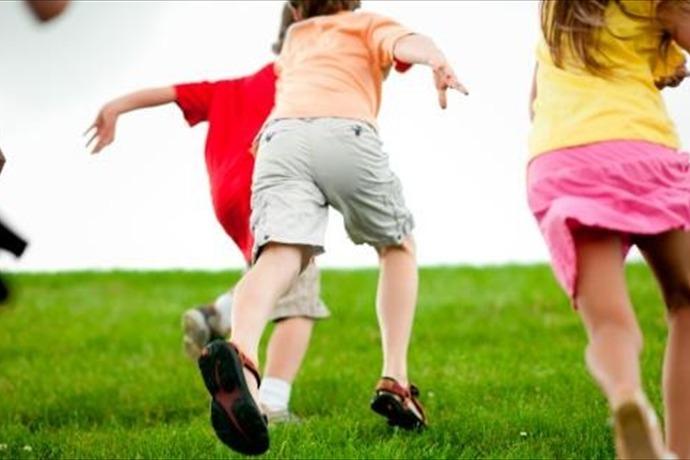 Kids Running_2913588220742420057