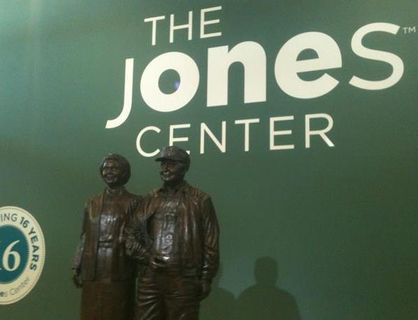 Jones Center to Offer Memberships_-4634692584322613098