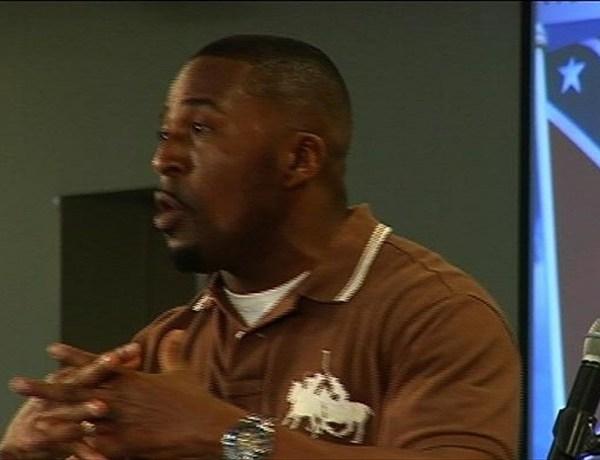 Fort Smith Pastor, Tashala Devrow, Promotes Peace Following Confederate Flag Debate_-990666699204705010