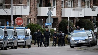 Paris-police-jpg_20151118045808-159532