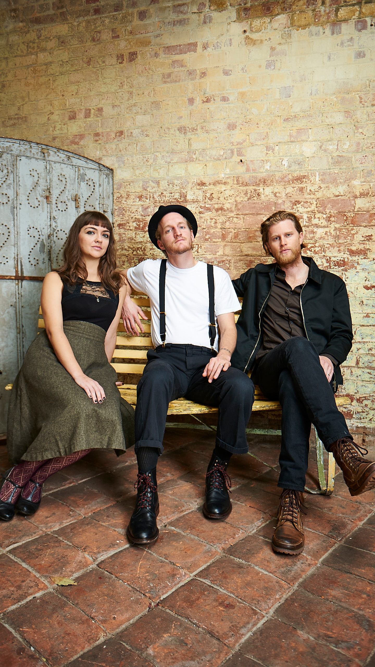 APPROVED PHOTO 2_The_Lumineers_Shot_02_059_1459804011457.jpg