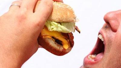 Eating-food-burger-hamburger-mouth-jpg_20160411144455-159532