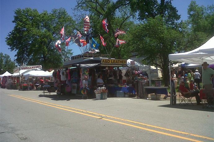 Siloam Springs Prepares for 38th Annual Dogwood Festival_-3031779522128232082
