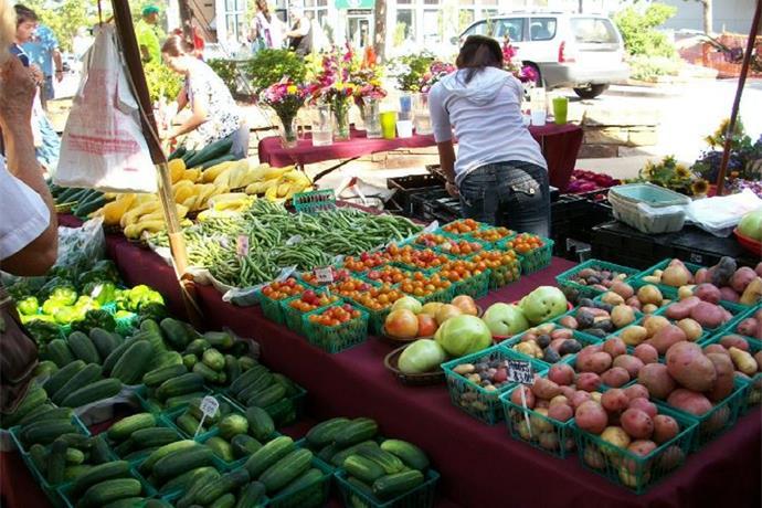 Fayetteville Farmers' Market Celebrates 40 Years_-7112150941572314558
