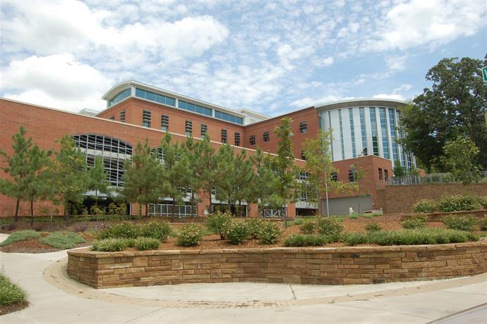 Fayetteville Public Library Kicks Off Summer Reading Program_-1887072658508920132