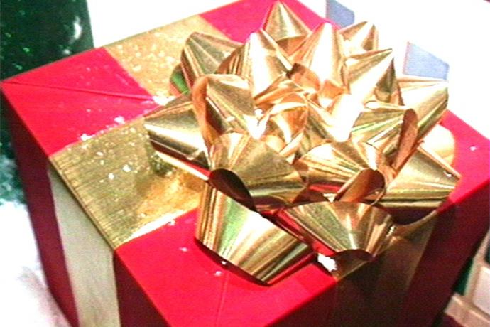 Gift Wrapping For A Cause_-3855878741100248206