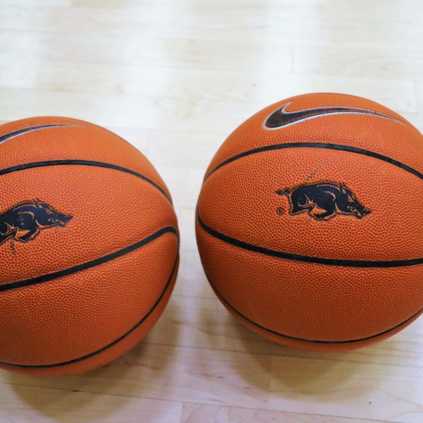 razorback basketball.JPG