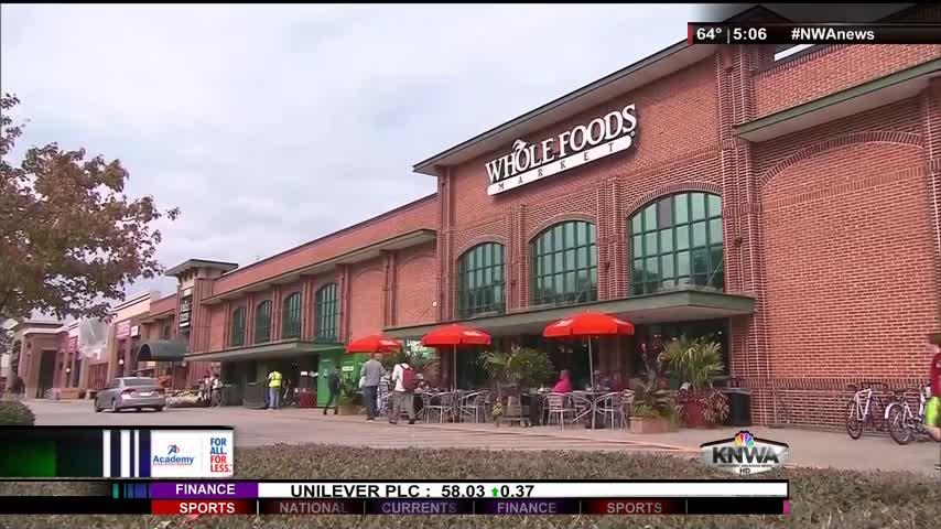 Amazon Slashes Whole Foods Prices_10192125