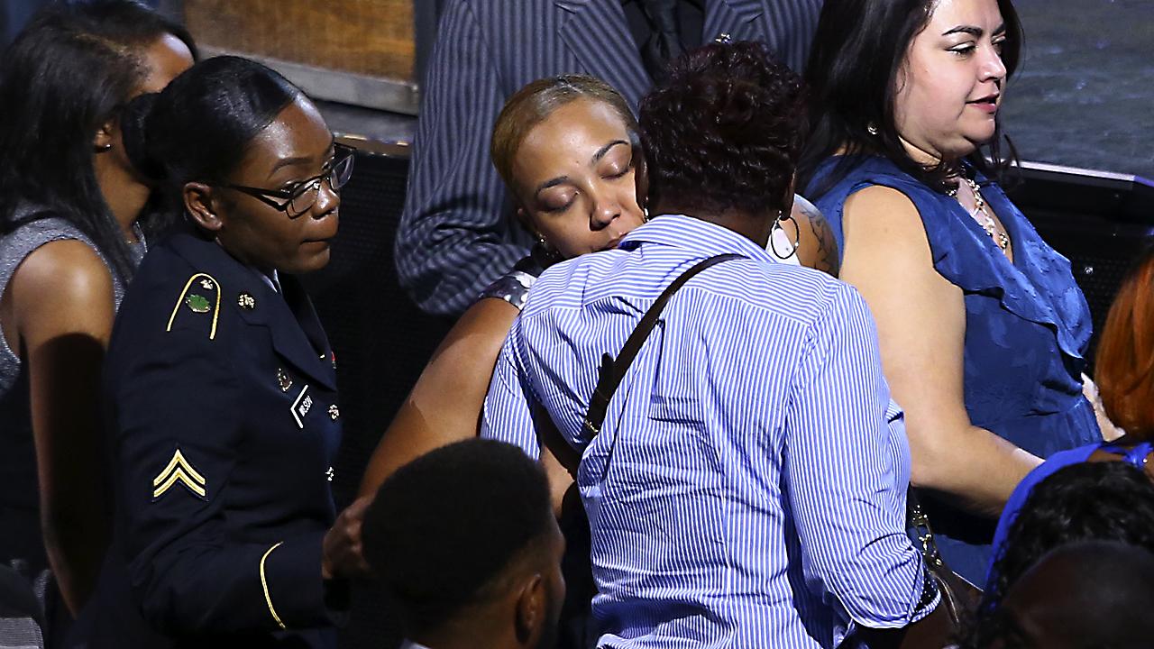 Las Vegas victims20761078-159532