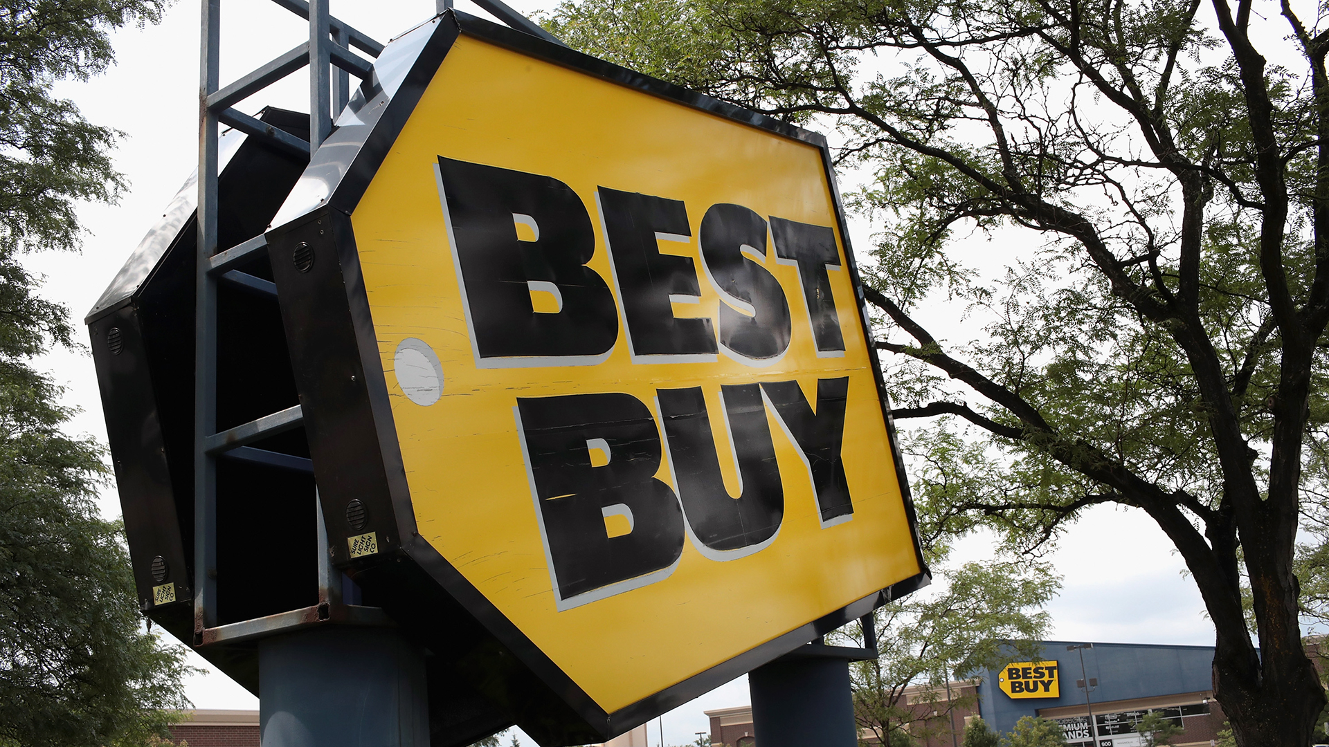police burglars cut hole in best buy roof steal merchandise knwa