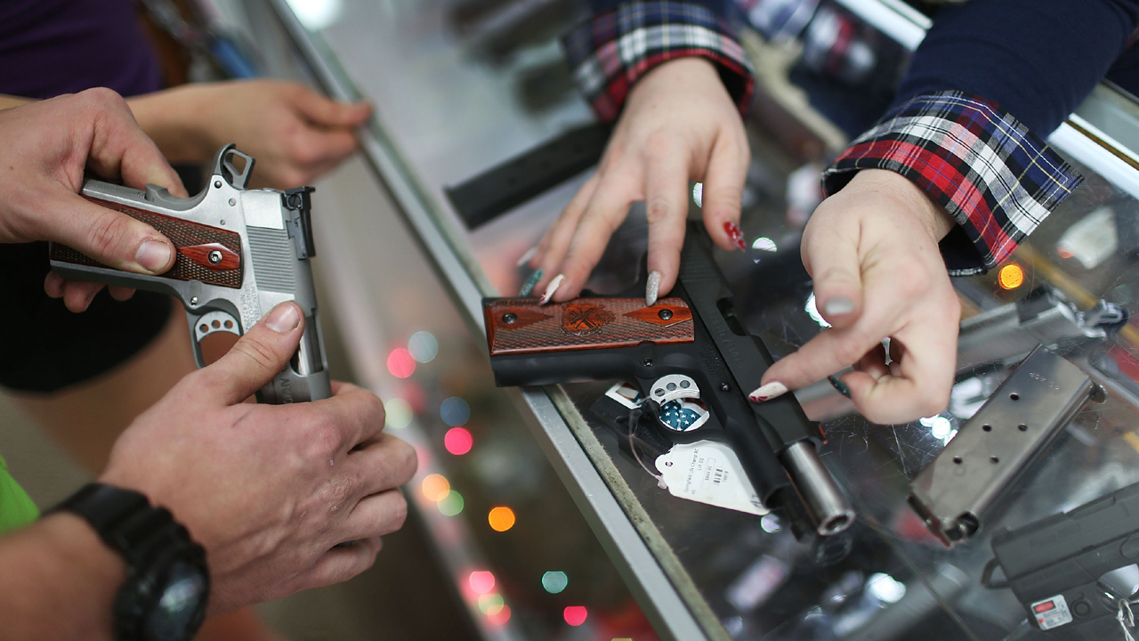 Gun Sales-159532.jpg61438521