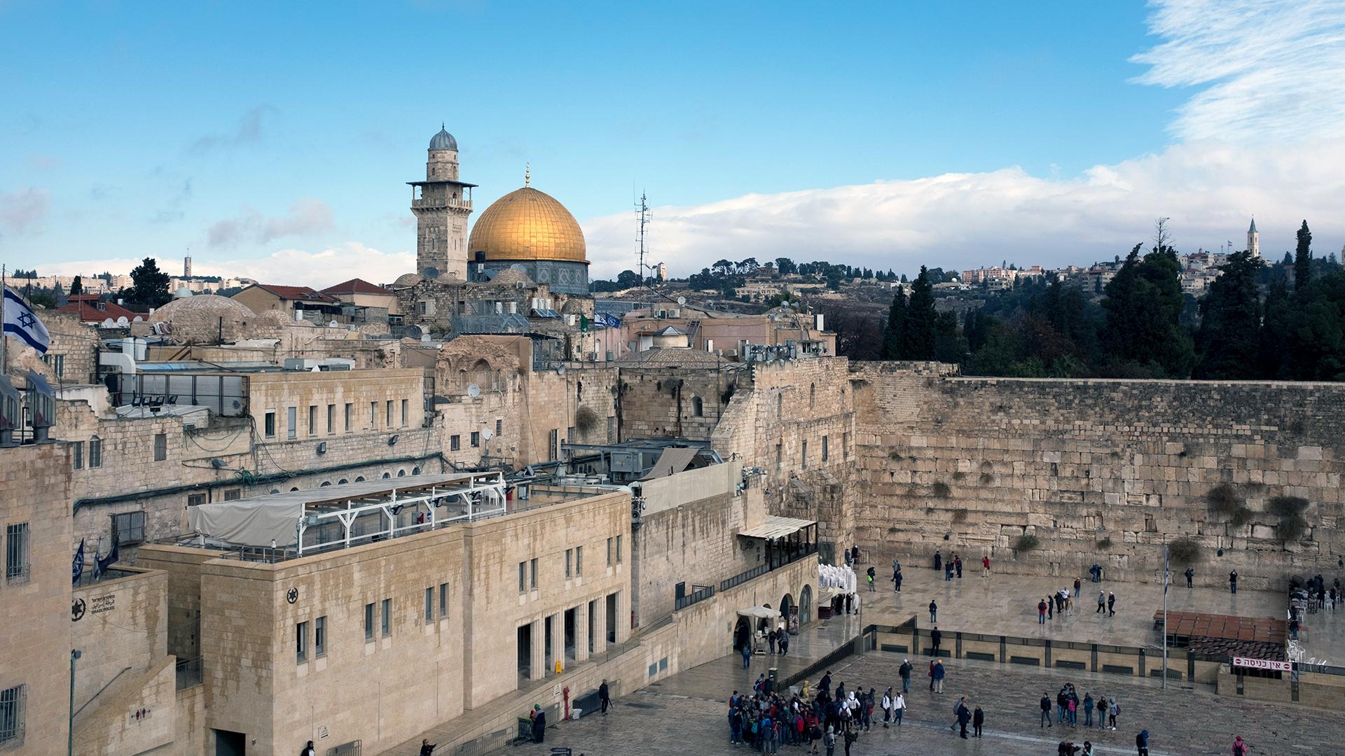 Western Wall in Jerusalem on Dec 6-159532.jpg95097533
