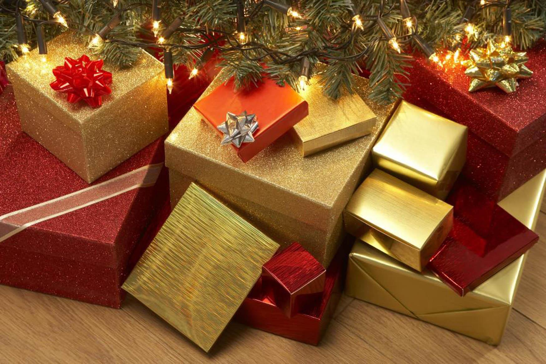 christmas-presents_1513271781383.jpg