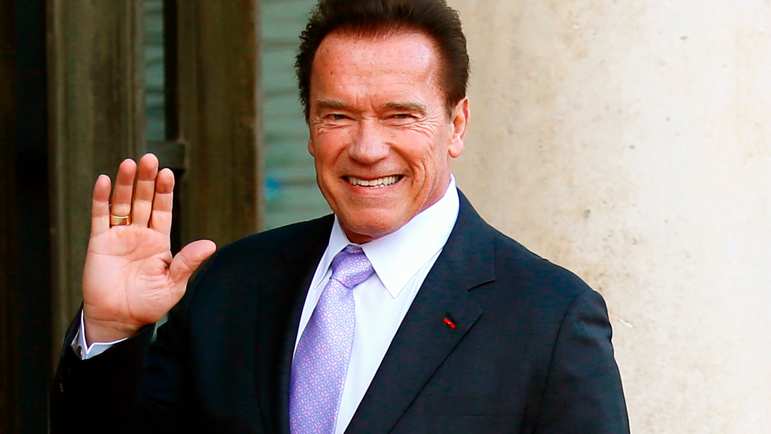 Schwarzenegger_Surgery_35148-159532.jpg77584072