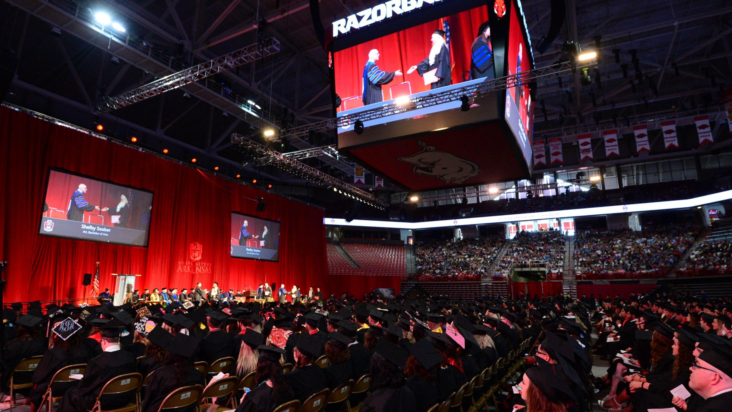 2018-Graduation_15260959051041.jpg