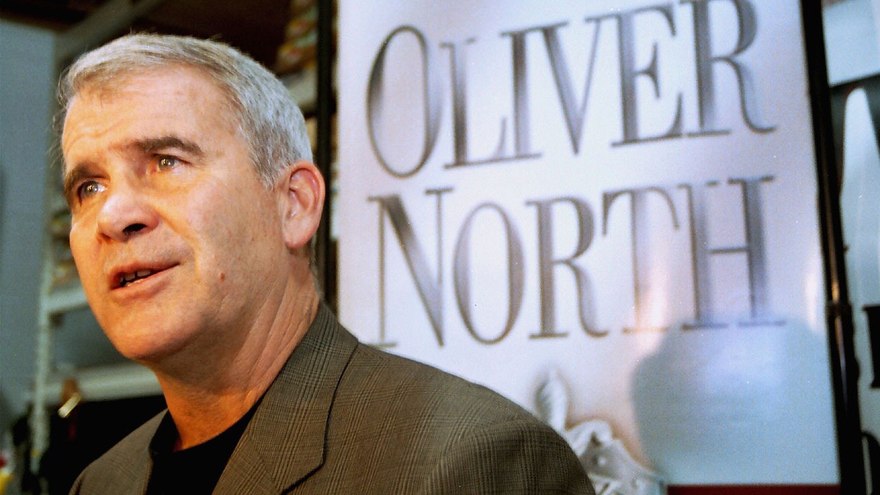 Oliver North in 200200969401-159532