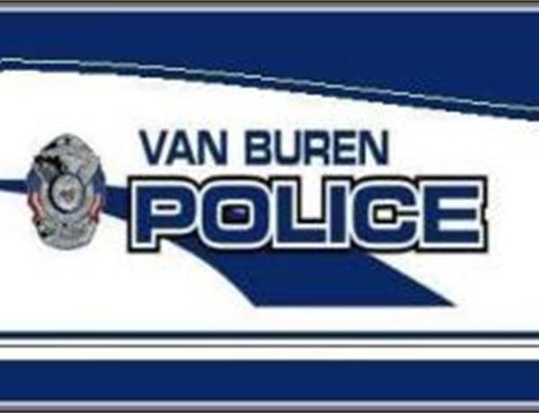 Van Buren Police Looking for Pants Thief _4123533683094474510
