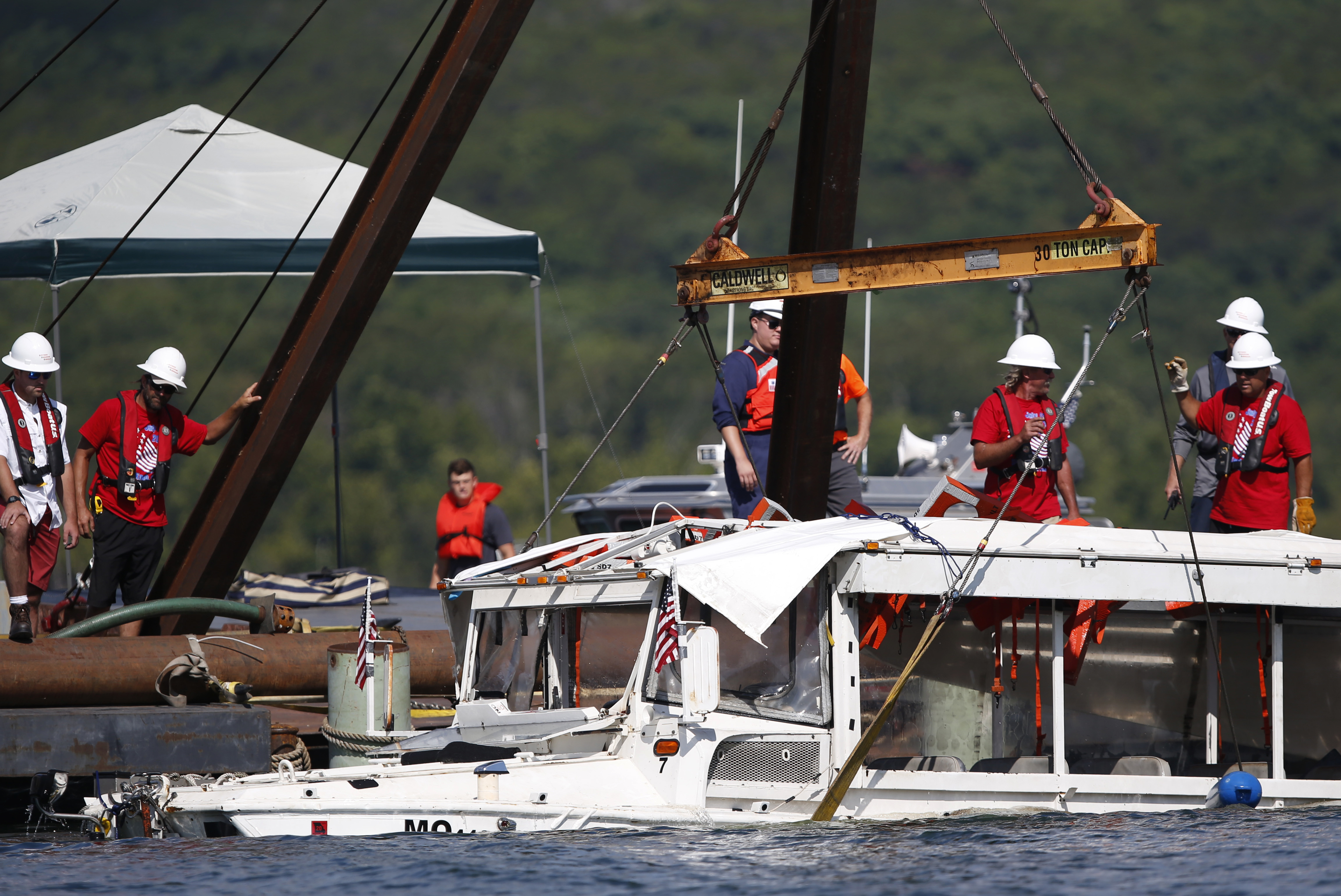 A Closer Look The Duck Boat Tragedy And The Events That Followed Knwa Fox24