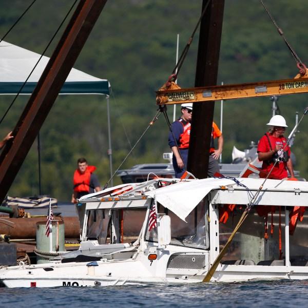 APTOPIX_Missouri_Boat_Accident_59110-159532.jpg30872655