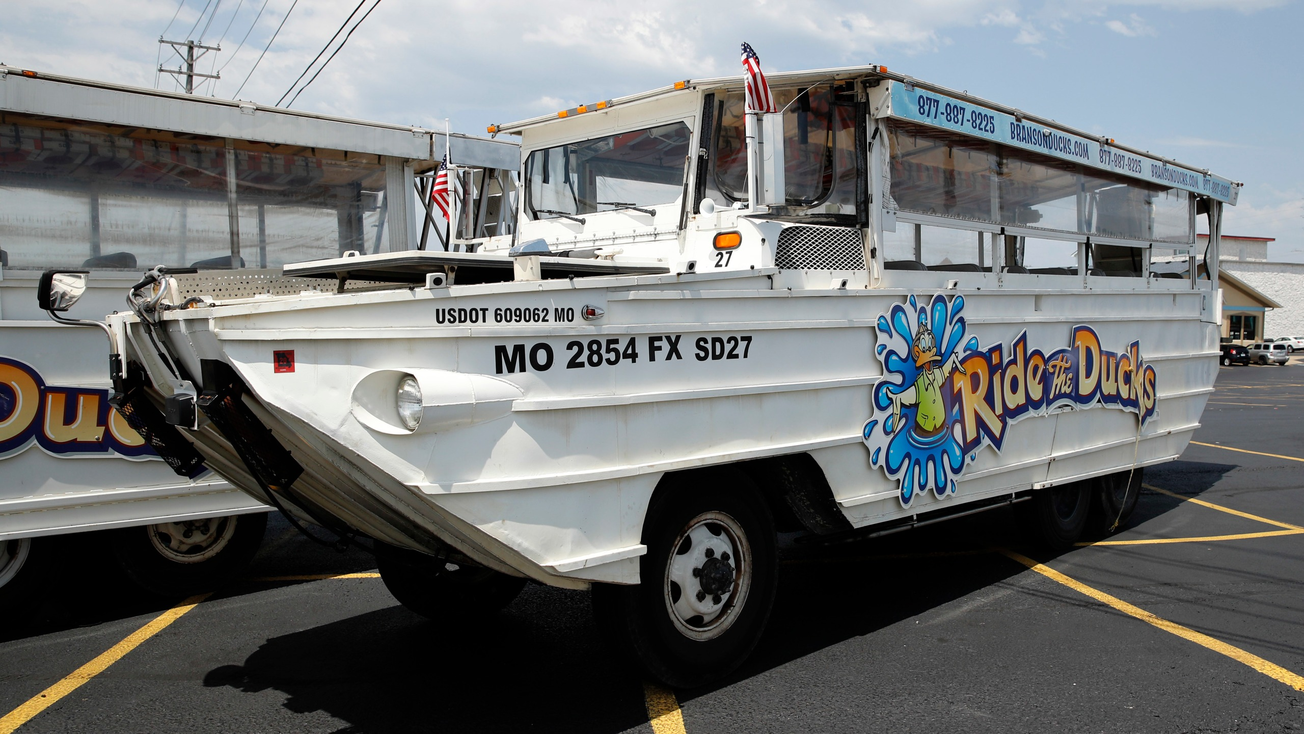 Missouri_Boat_Accident_Duck_Boats_43143-159532.jpg03902743