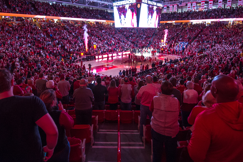 Fans-Crowd-at-Bud-Walton-Arena-2017-18_1539735832468.jpg