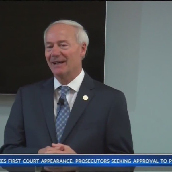 Governor_Hutchinson_to_Host_Town_Hall_be_0_20181030121323