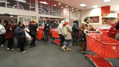 Target-Black-Friday-shoppers-jpg_20151124230933-159532