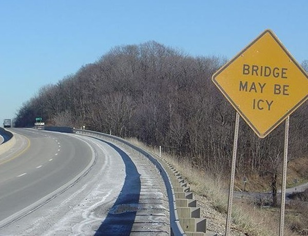 icy roads_-3472958759938603909