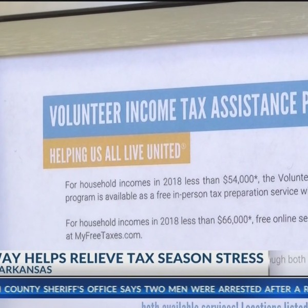 Taxpayers_Receive_Help_Amid_IRS_Filing_C_0_20190214004151