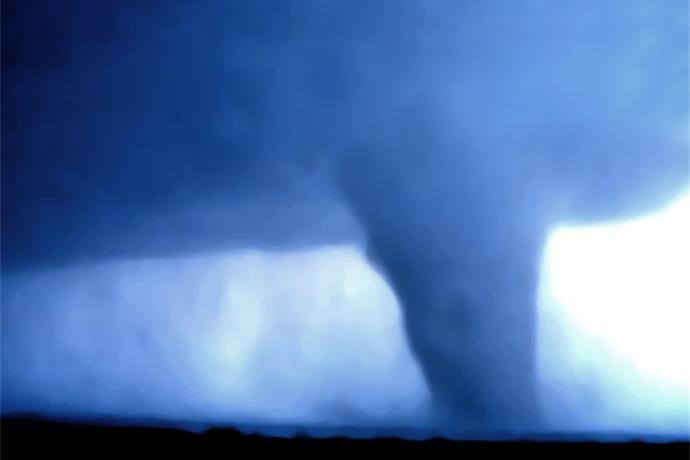 U-haul helps local tornado victims_-8600138944593901157