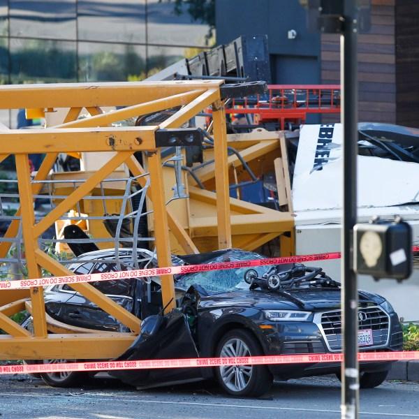 APTOPIX Seattle Crane Collapse_1556472326916