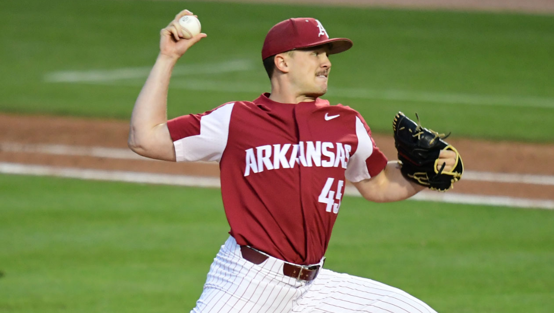 aa0edbd0190 Late-Inning Fireworks Give Hogs Series Over Tigers