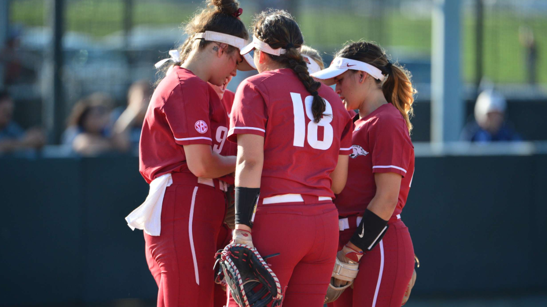 arkansas softball ncaa 2019.jpg