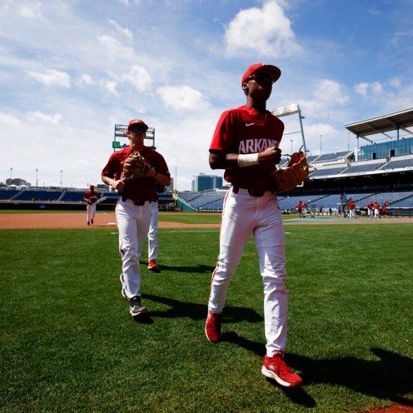 CWS Arkansas Baseball_1560550503560