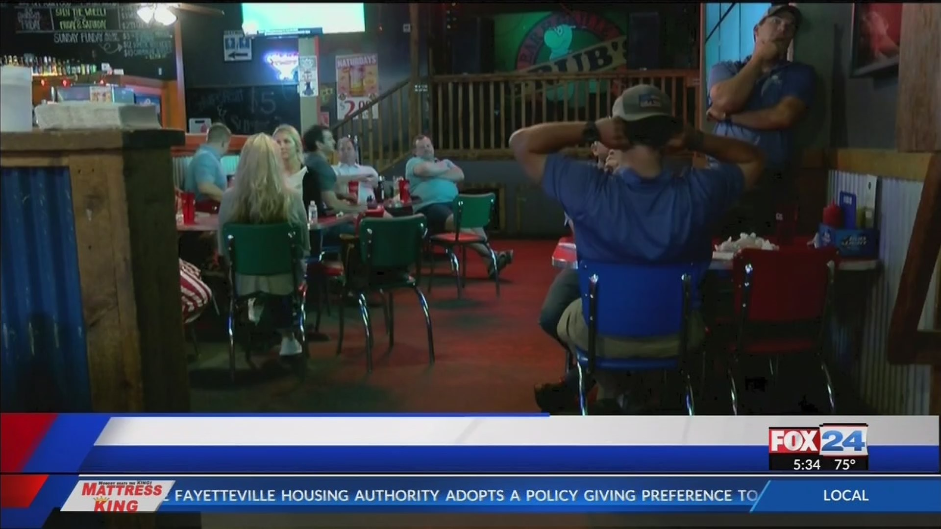 Razorback fans disappointed in short Omaha trip