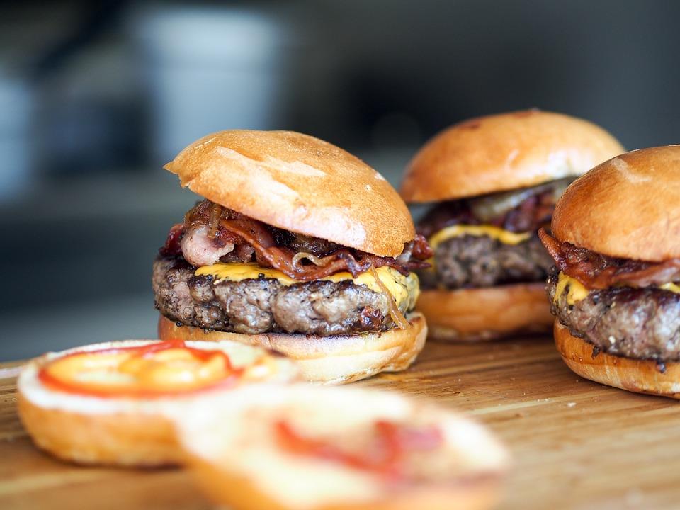 burger-731298_960_720_1559679667793.jpg