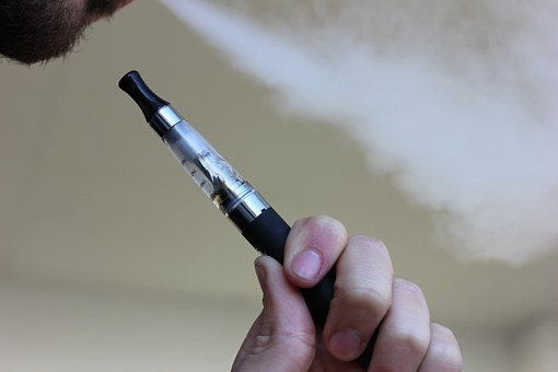 e-cigarette-1301664__340_1560285197704.jpg