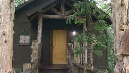 A CLOSER LOOK: Eureka Springs Treehouses, Caves & Castles brings fantasy to life