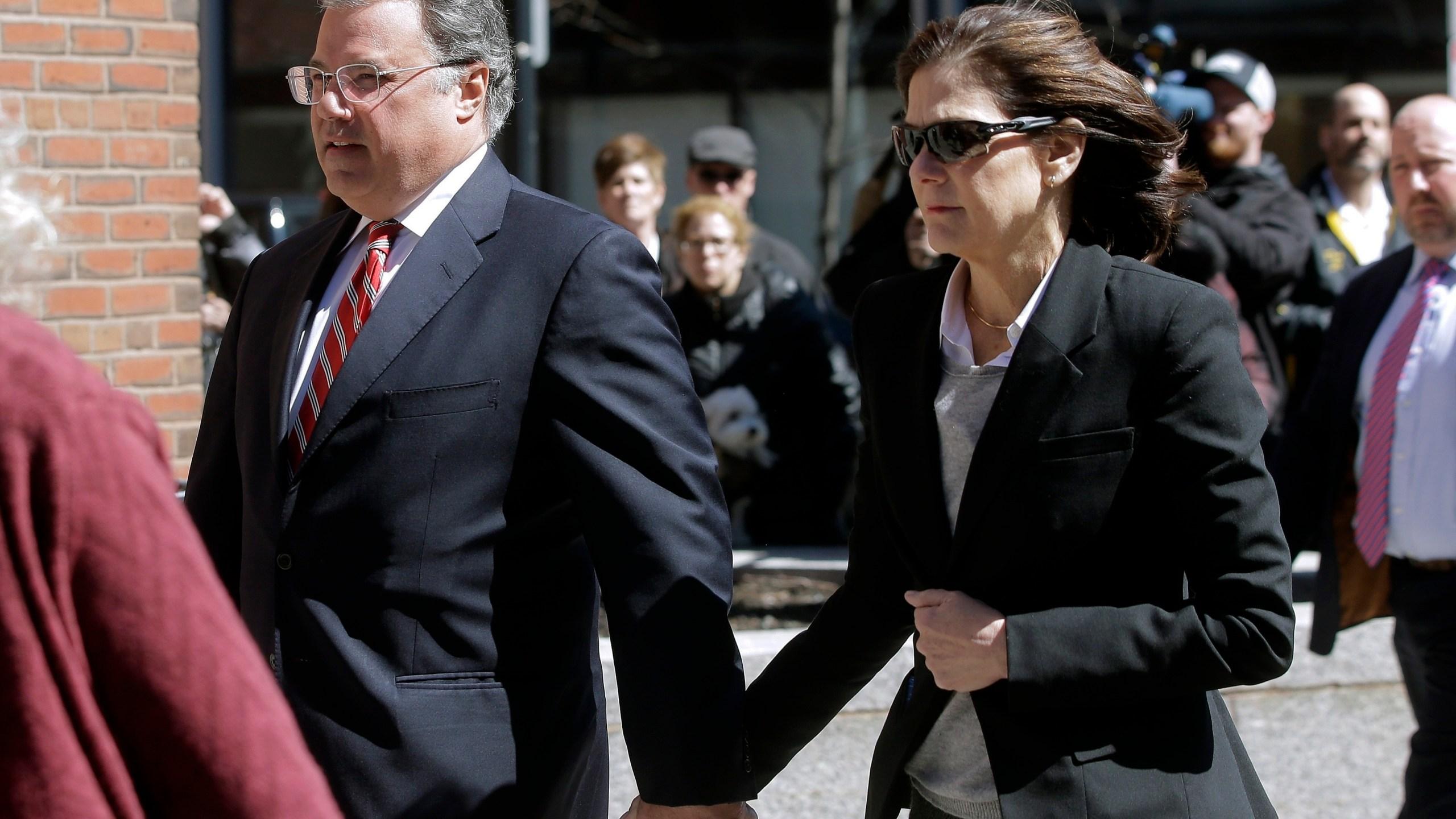 Manuel Henriquez, Elizabeth Henriquez