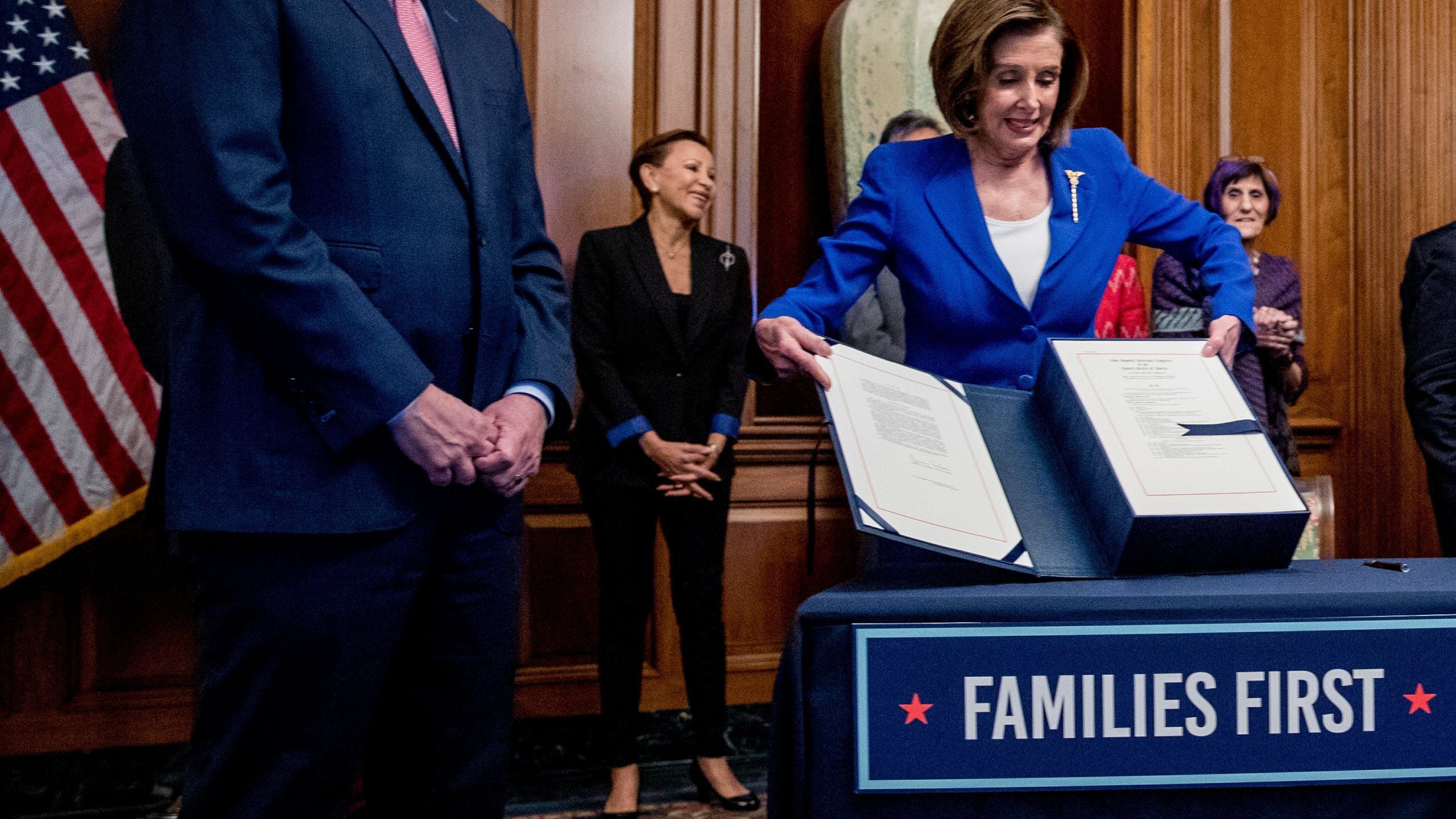 Nydia Velazquez, Nancy Pelosi