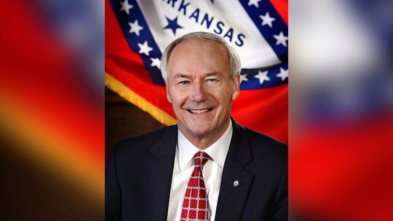 Gov. Hutchinson suggests NRA should move to Arkansas