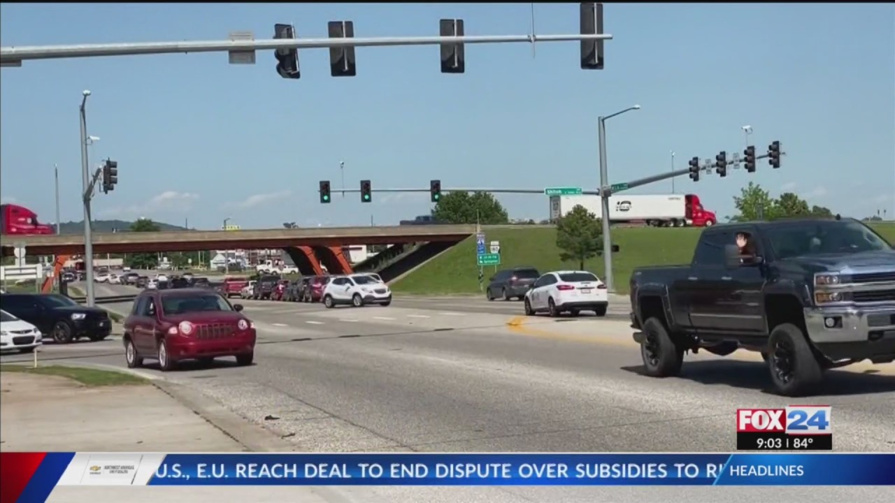 Fayetteville can request federal assistance for two road projects, city council says